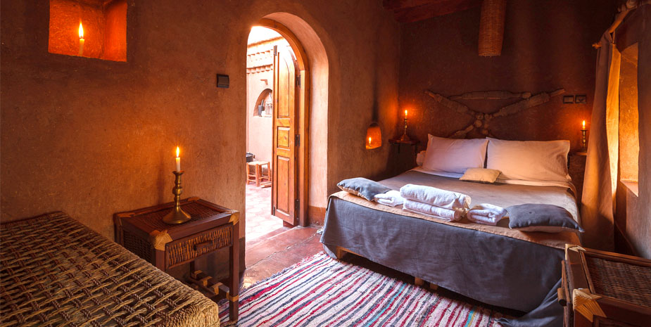 We offer three standard double room in a 400 years old traditional berber kasbah.