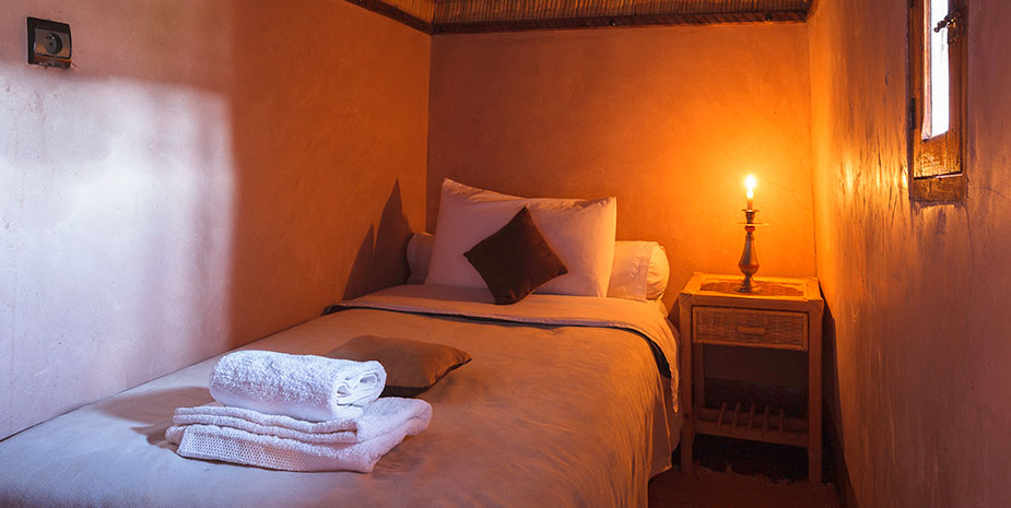 We offer one standard single room a 400 years old traditional berber kasbah.