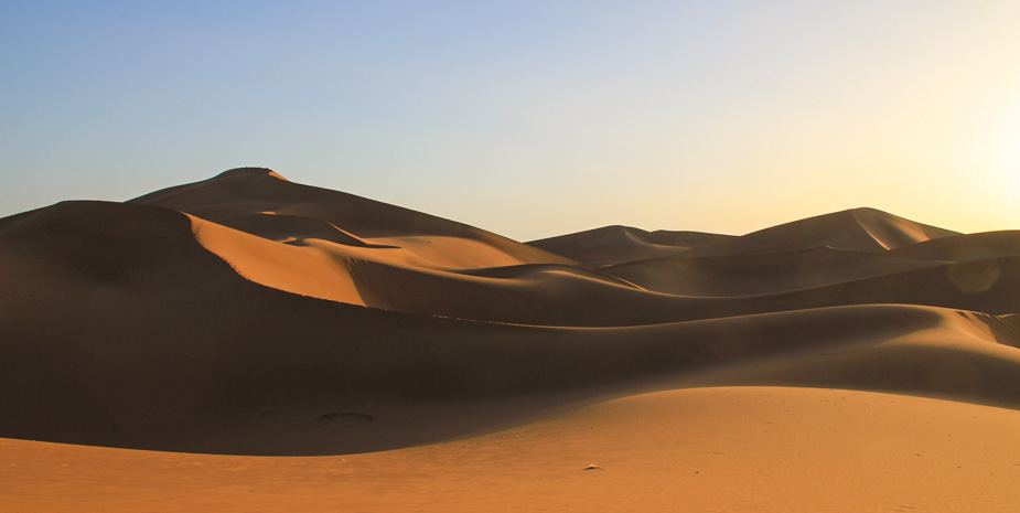 Kasbah Tebi organize for you a special short tour of one night in the heart of sahara desert.
