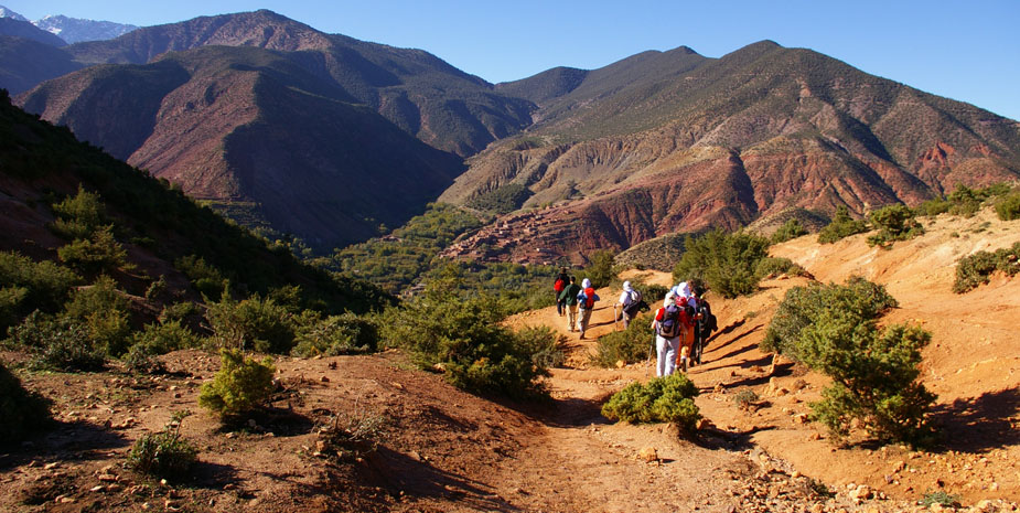 Kasbah Tebi organize your trekking sessions around Aït Benhaddou